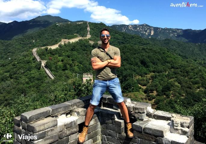 27 Aventuhero - En lo alto de la Muralla China.jpg