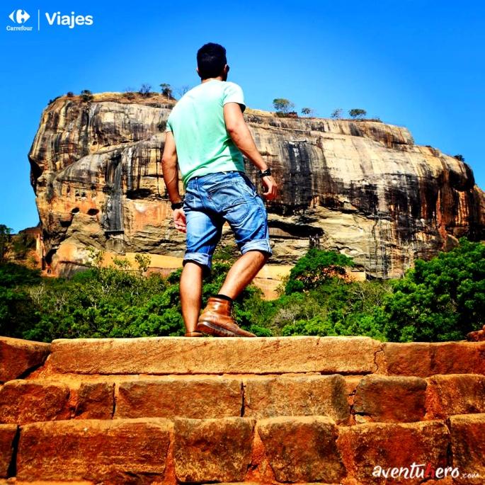 Aventuhero, Sri Lanka - A los pies de Sigiriya.jpg